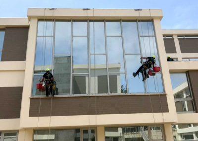 Limpeza de vidros do Centro de Artes e Espectáculos e Museu da Figueira da Foz